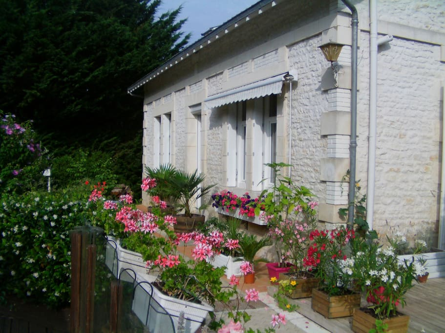Chambre d 39 h te proche royan 5 plac bed and breakfasts for Chambres hote royan