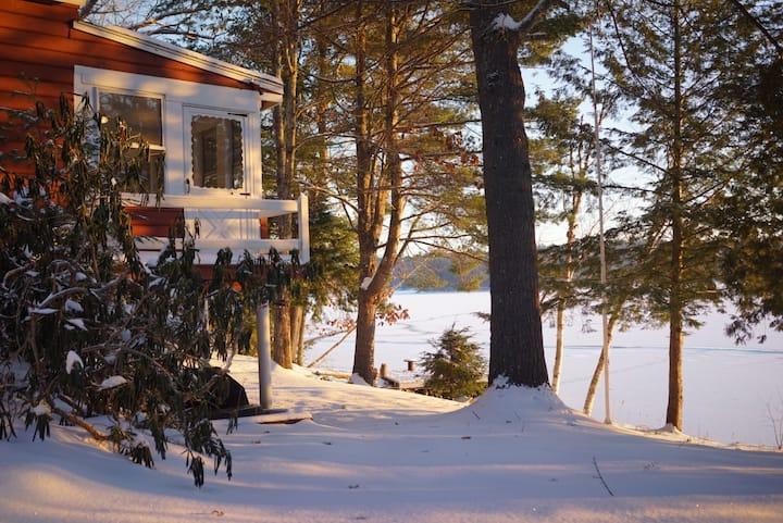 Private Cabin on Long Lake + Lake Access