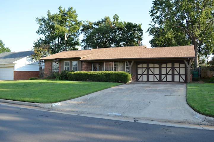 Three Bedroom home 10 min to downtown OKC