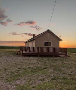 Cottage with beautiful views of Western Nebraska