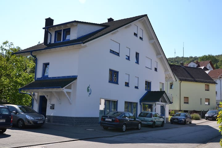 Haus Ziegler (Zimmer 2) - Mörlenbach - Casa