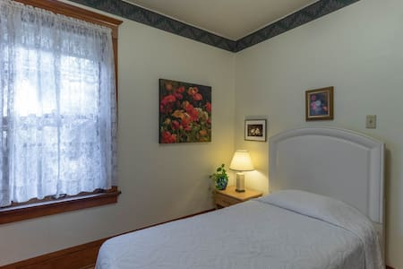 Affordable, sunny, single room