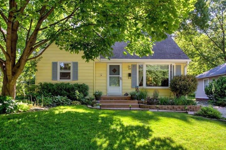 Charming 4 Bedroom Home With Beautiful Backyard