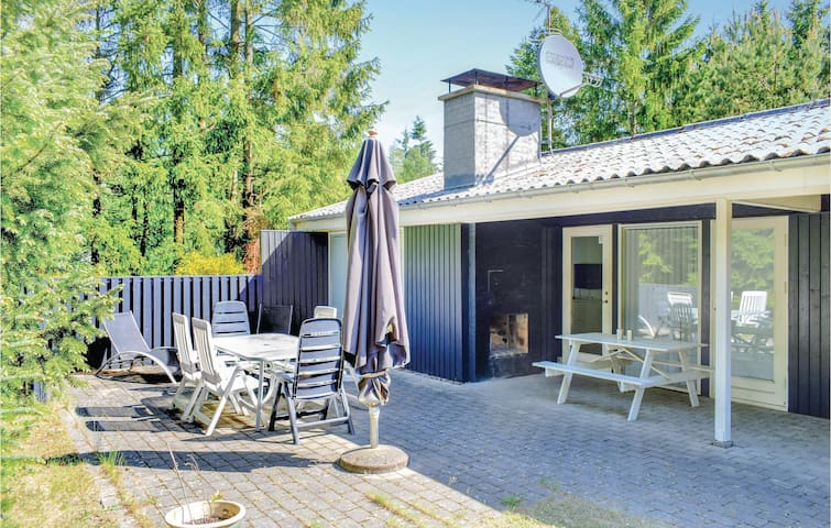 Holiday cottage with 3 bedrooms on 64m² in Ebeltoft