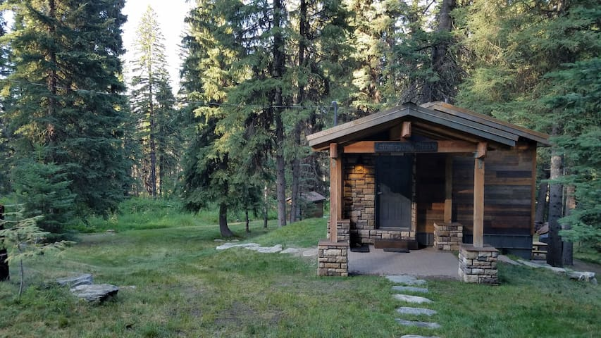 Beautiful cabin by Tamarack Resort & Cascade Lake