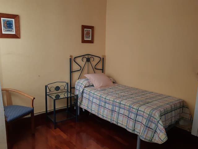 Bilbao Centro. Individual. Single room. LBI-124