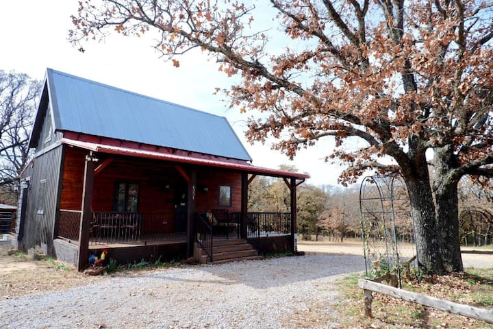 Cabin on 35 Acres near the University of Oklahoma