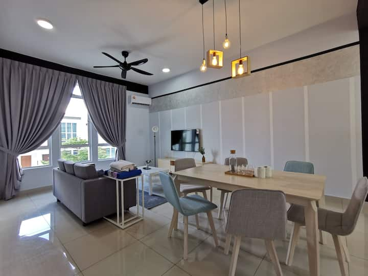 HexaHome_Unique Cottage@Bandar Seri Alam