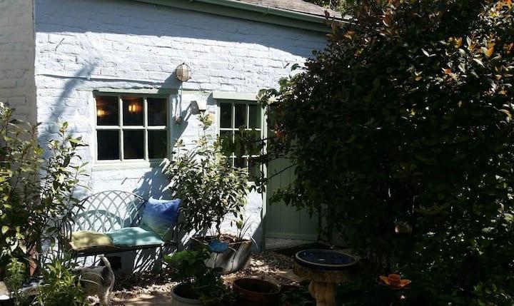 Secret cottage in Berwick's most vibrant street