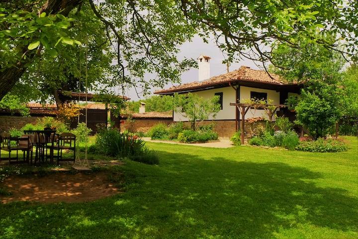Слънчевата къща / Marafeltsi Forest Guest House