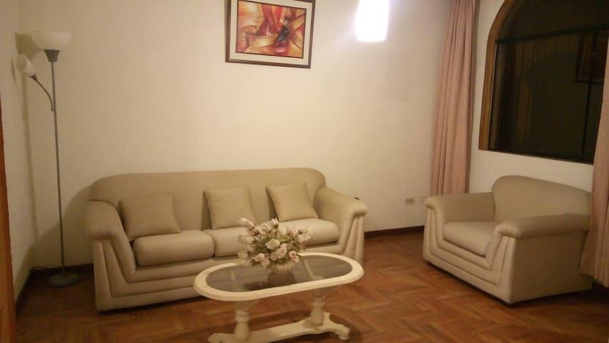 LINDAS HABITACIONES - Distrito de Víctor Larco Herrera - Casa