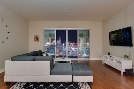 High-Rise Condo In The Ultra Lux Ogden!