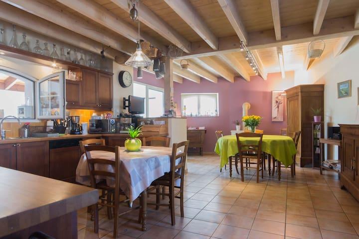 chambre idéale pour halte et + entre gray et dijon - Essertenne-et-Cecey - Casa