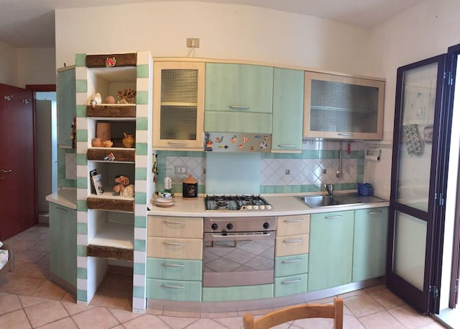 Tortolì, cozy apartment, 5 minutes from the beach - Tortolì - Daire