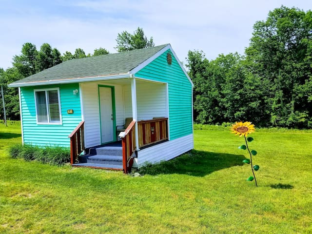 Tiny Green Cottage - Twin Hills Cottages of Acadia