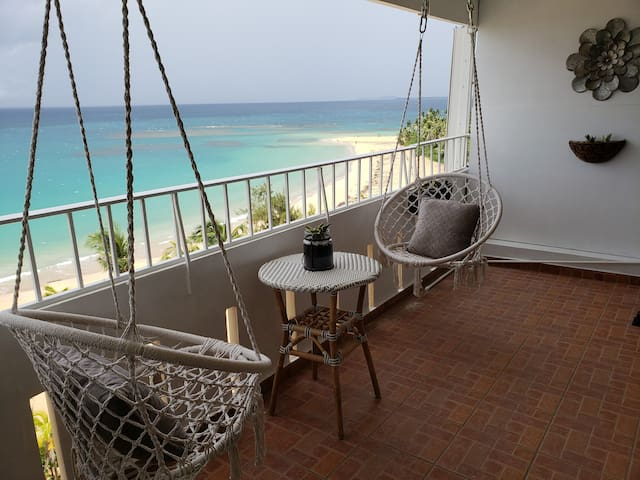 ✈☼♡Gorgeous views studio across from the beach✈☼♡