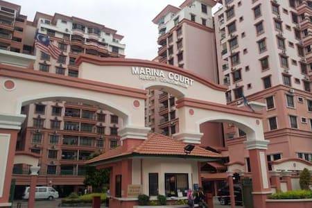 Marina Court Condominium, KK