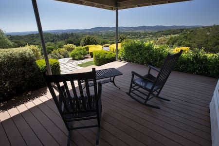 Private Villa With Stunning Views - Windsor - Hus