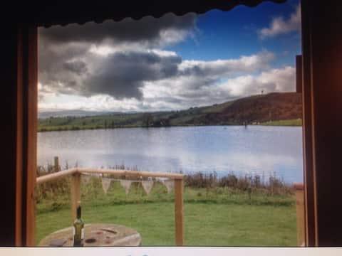 North Wales retreat, shepherds hut, Ty Ucha'r Llyn