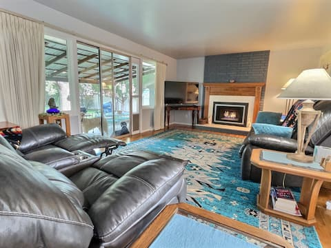 ✸✸NEW LISTING SPECIAL!!✸✸ Mid-Town Magic City Casa