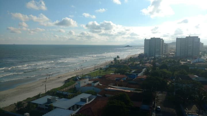 Aluga-se apartamento, pé na areia em Itanhaém-sp!