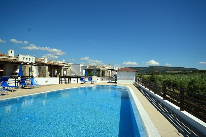 Villa with a panoramic swimming pool, 2 km from Alghero