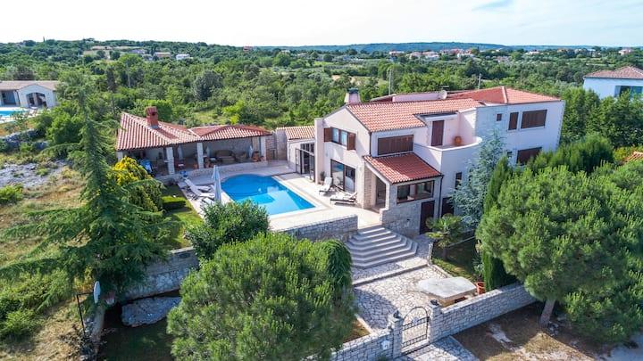 Villa Harmony  Rakalj, Istria
