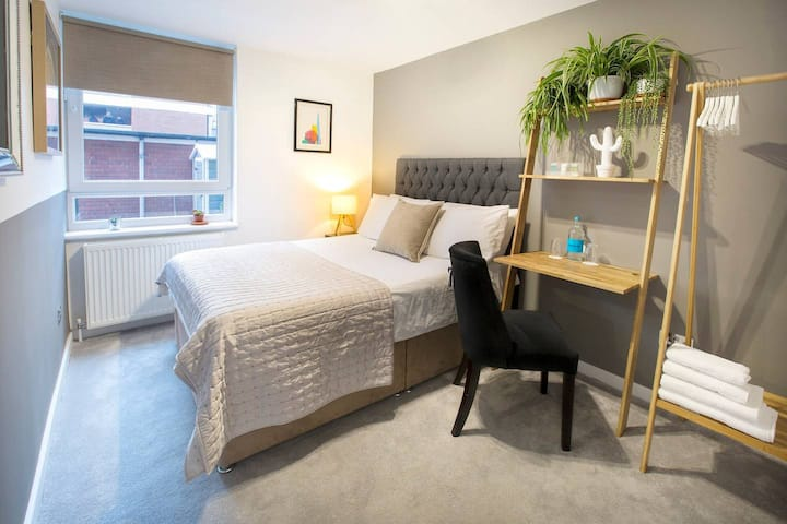 Luxury Double Room with Attached Private Bathroom!