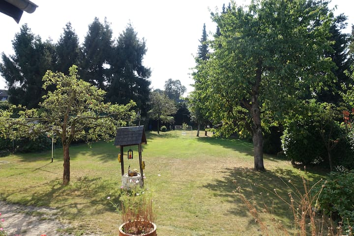 Wohnung mit Terasse und Garten für bis zu 4 Pers.