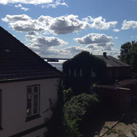 Wohnen am Plöner Schloss  inmitten der STADT - Plön - Byt