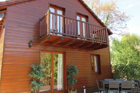 Nice chalet in the woods of the beautiful Dordogne