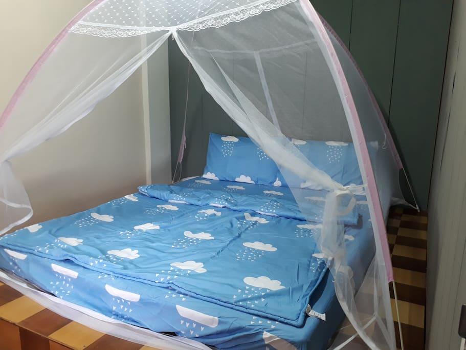 附蚊帳與電扇