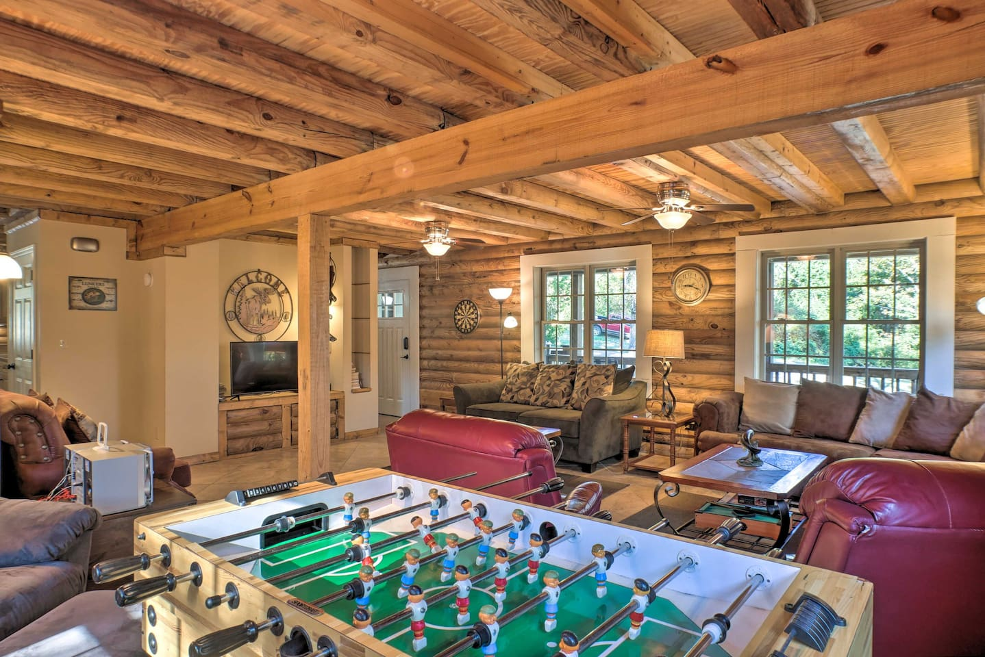 Retreat to this Scottsboro vacation rental cabin for well-deserved downtime!