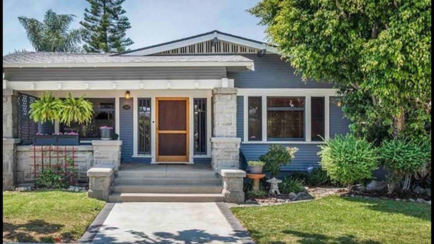 Gorgeous craftsman Home with Spa in Bluff Heights