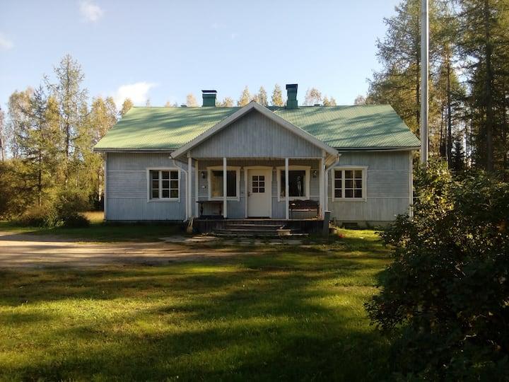 Дом в 20км от Лахти, в лесу. Настола .