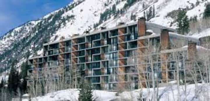 Ski In/Out at Snowbird Utah! Unit 412 Iron Blosam