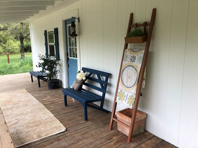 Round Top Hideaway Cabin