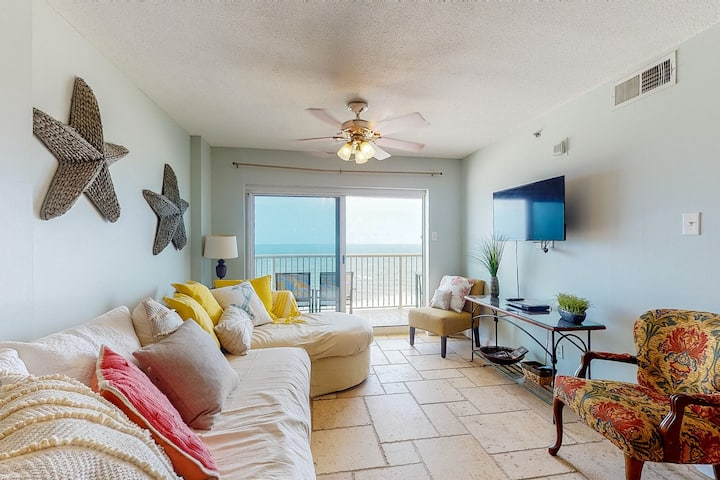New listing! Oceanfront condo w/ private balcony, shared pool, & beach access!