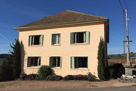 COUNTRY HOUSE BURGUNDY - Suin - Talo