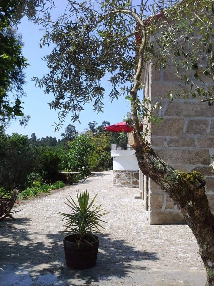 4 bedrooms with own bathrooms, spacious renovated old farmhouse with airco