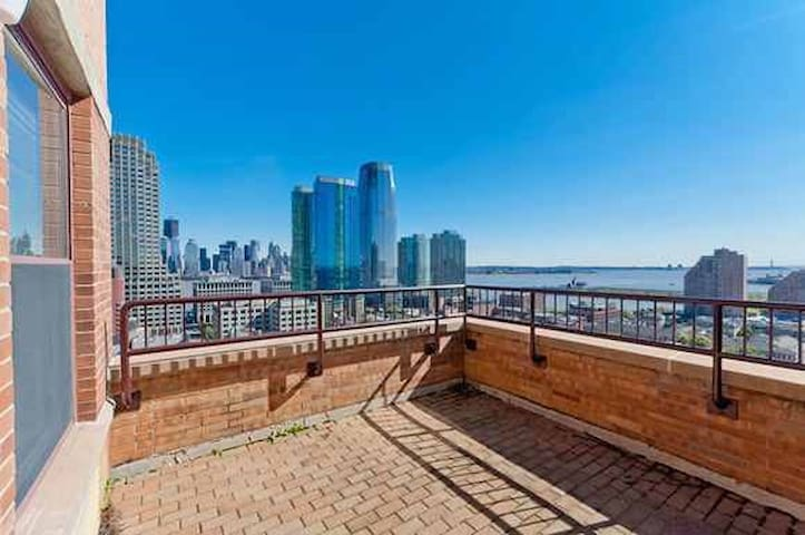 Private bedroom minutes from Manhattan - Jersey City - Apartment