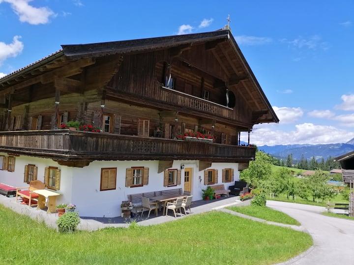 Seislhof- Bergbauernhaus mit Herz- Zimmer modern