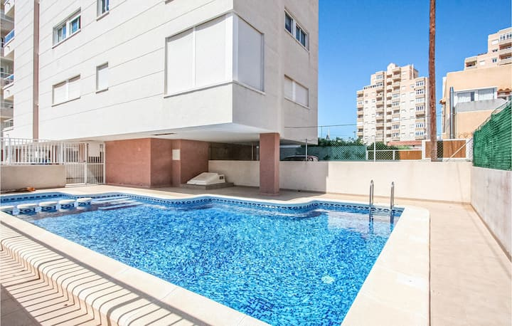 Stunning apartment in Torrevieja with Outdoor swimming pool, WiFi and 2 Bedrooms