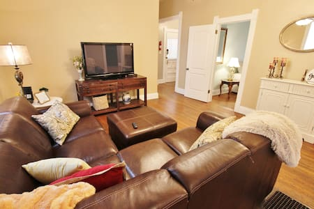 New listing! Mildred's Place- Close to everything!