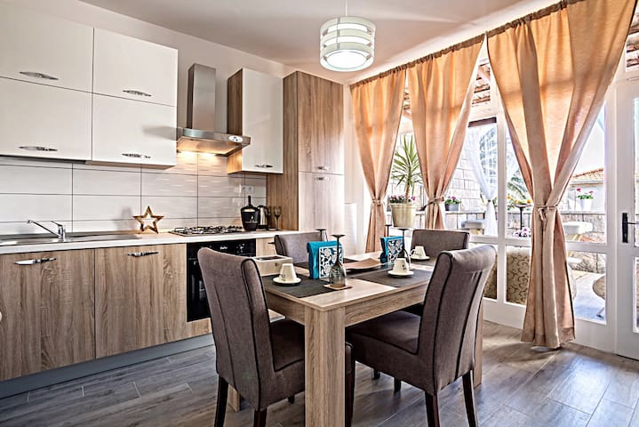 Apartment Marija with terrace - San Pietro della Brazza - Casa