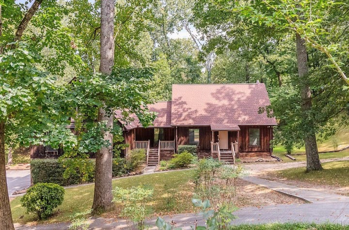 Large home! 15 mins to Chatt!