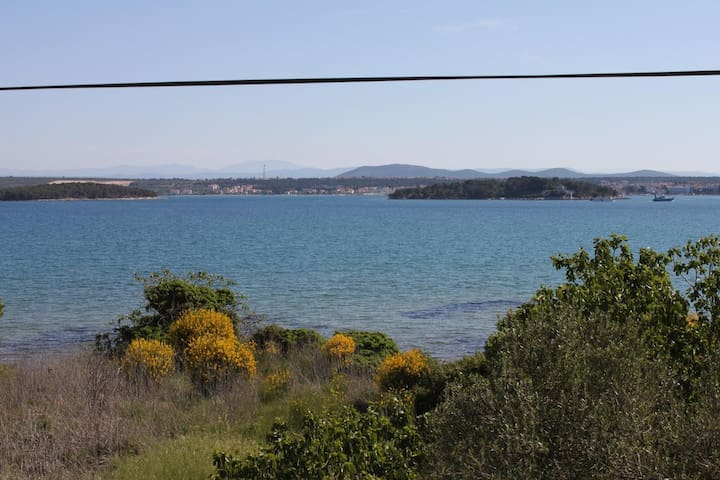 Two bedroom apartment with terrace and sea view Tkon (Pašman) (A-820-a)