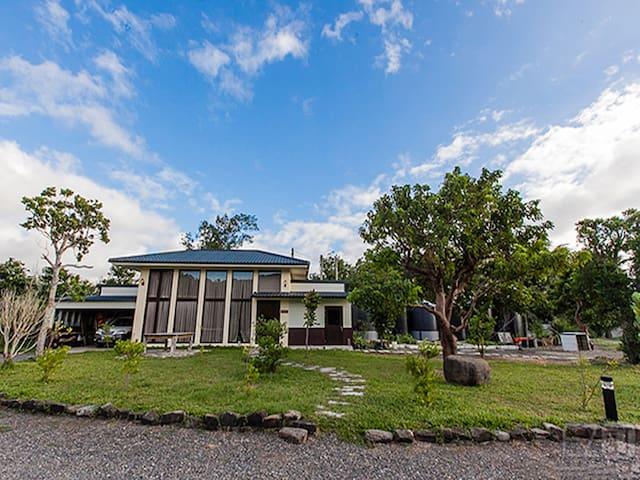南方太陽-獨棟別墅八人房 近墾丁/南灣 建議自駕 - Hengchun Township - House