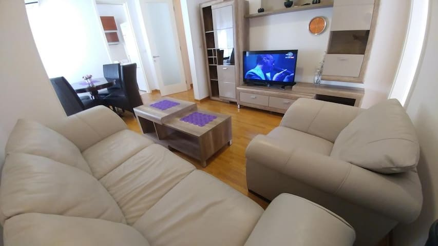 PORTO 46sqm apartment with parking place-Belville