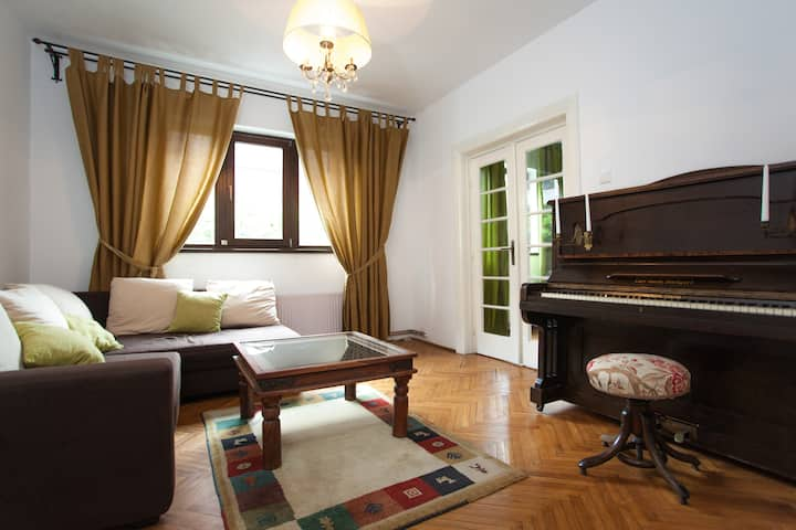 NEW Elegant House apt in the heart of Bucharest